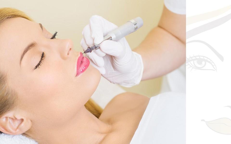 Εφαρμογή ημιμόνιμου μακιγιάζ στα χείλη